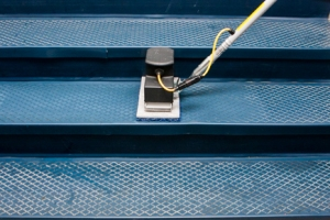 nano-edge-cleaning-diamond-treat-rubber-stairs